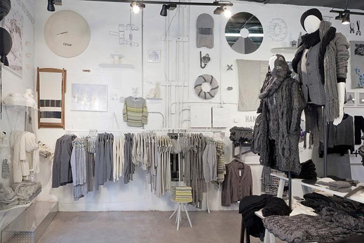 La coordinación de zonas por colorido consigue crear ambientes agradables y fáciles de entender para los clientes.