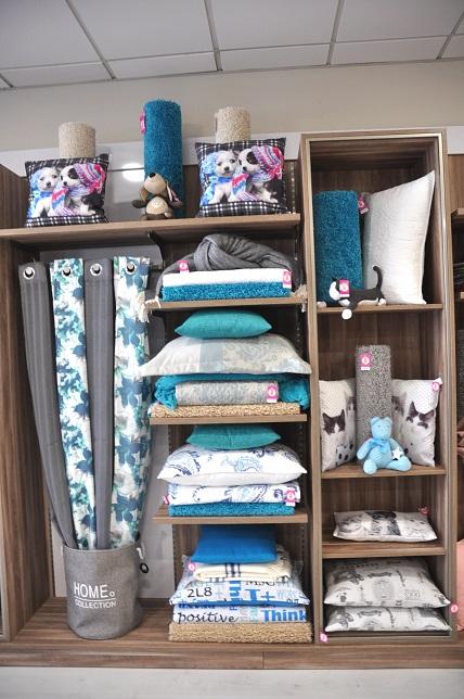 Visual merchandising hogar 36 studio escaparatismo - Como hacer un escaparate ...