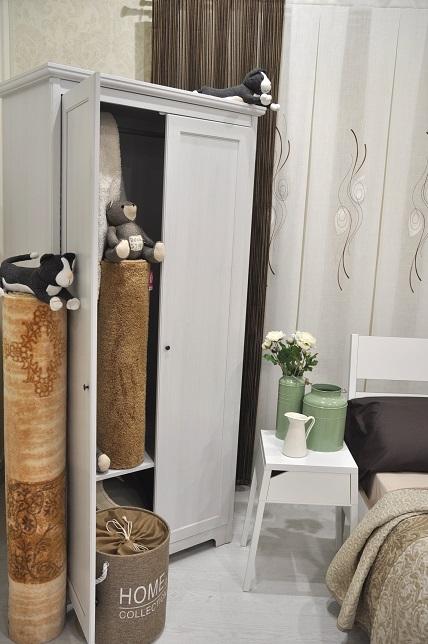 Exposición interior de tienda ropa de hogar