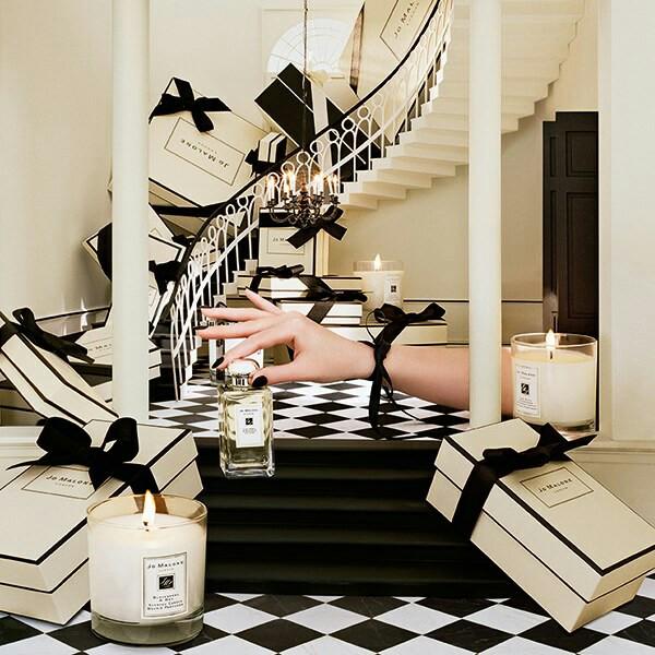 Escaparates de perfumería encantador con diseño espectacular