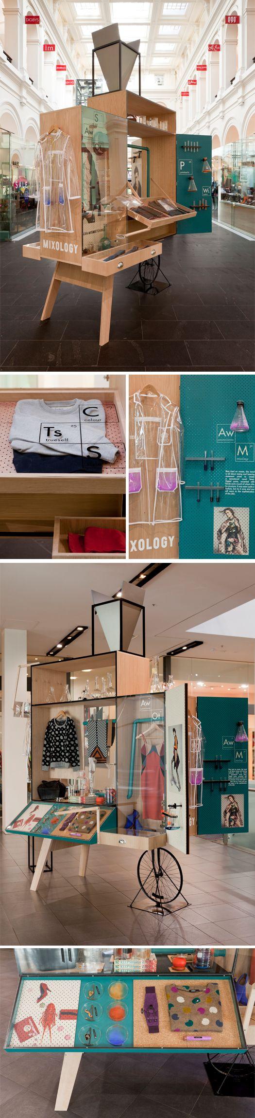 Pequeño pop up con escaparate tienda integrado